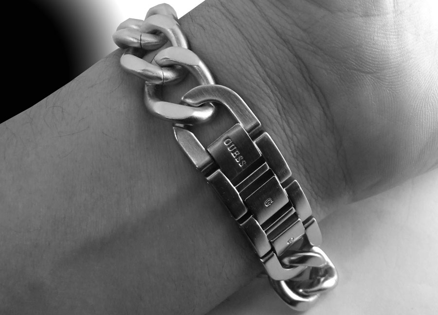 Latest Guess Stainless Steel Cross Mens Watch Bracelet 10573g1